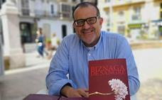 La novela 'Biznaga de sangre' recrea una trama de intriga a modo de paseo por Málaga