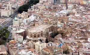 Detenida en Málaga por robarle el monedero a otra mujer y darle puñetazos y patadas a la policía