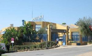 Detienen a dos policías locales de Estepona por una presunta violación a una chica de 18 años