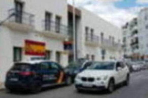 Los agentes de Estepona acusados de una agresión sexual acababan de terminar un servicio extraordinario de 24 horas