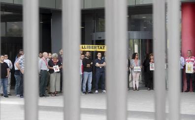 Detenidos dos altos cargos de la Generalitat por su relación con el censo del referéndum