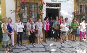 Concentración de mujeres en Estepona en repulsa por la supuesta agresión sexual