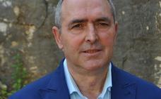 Investigan al alcalde de Casares por la contratación «irregular» de un monitor deportivo
