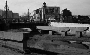 Farolas del puente a la Alameda