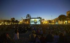 El cine de verano de Málaga en las playas y los barrios ya tiene cartelera