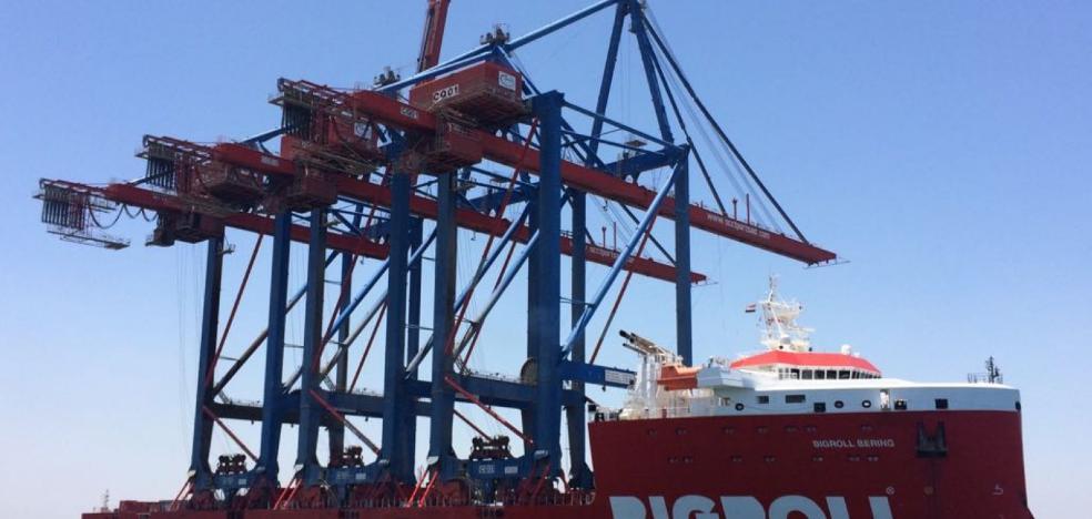 Las nuevas grúas del Puerto de Málaga llegarán el día 22 desde Egipto