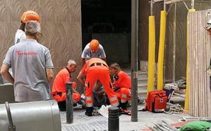 Herido un trabajador en Málaga tras caer desde una altura de dos metros