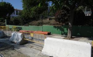 Marbella acomete las últimas obras pendientes en colegios tras las lluvias torrenciales de 2016