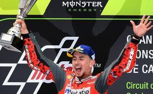 Lorenzo sigue torturando a Ducati