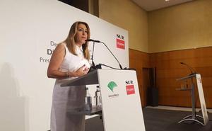 Susana Díaz alerta de que la turismofobia y las viviendas turísticas amenazan al sector