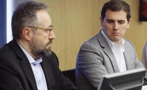 Rivera acusa a Sánchez de «engañar» a los españoles al descartar unas elecciones