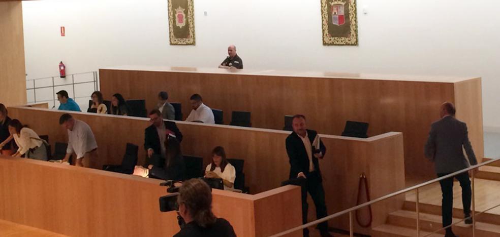 El PSOE abandona el pleno de la Diputación de Málaga