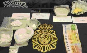 Detienen a dos repartidores de cocaína a domicilio y a su jefe en un operativo en Fuengirola