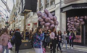 La calle Larios concentra el mayor número de operaciones de locales comerciales de Málaga este año