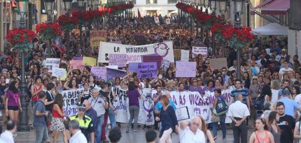 Cerca de 2.000 personas protestan en Málaga contra la sentencia de La Manada