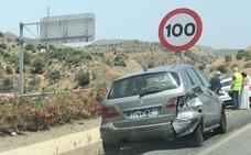 Dos accidentes de tráfico provocan varios kilómetros de retenciones en Málaga capital
