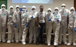 Médicos y enfermeros de urgencias del Clínico de Málaga reciben formación sobre el ébola y la fiebre hemorrágica