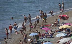 Agentes de la Policía Local refuerzan la seguridad en el entorno de las playas