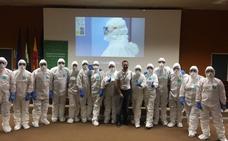 Médicos y enfermeros de urgencias del Clínico reciben formación sobre el ébola