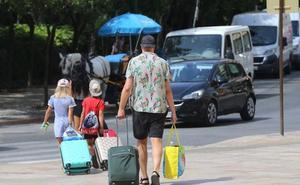 El turismo nacional se recupera y marca la temporada alta en la Costa del Sol