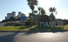 La mitad de las 3.000 viviendas vacías de Manilva han sido vandalizadas