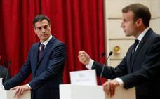 Sánchez y Macron quieren que la UE financie en suelo europeo centros de control migratorio