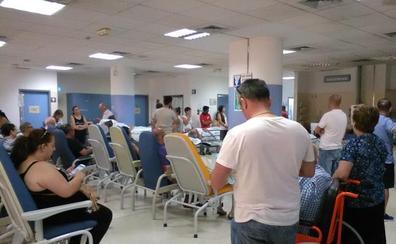 El verano se estrena con quejas de los usuarios de las Urgencias del Hospital Clínico