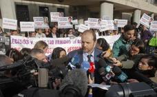 Las víctimas del Alvia piden en Bruselas una investigación independiente