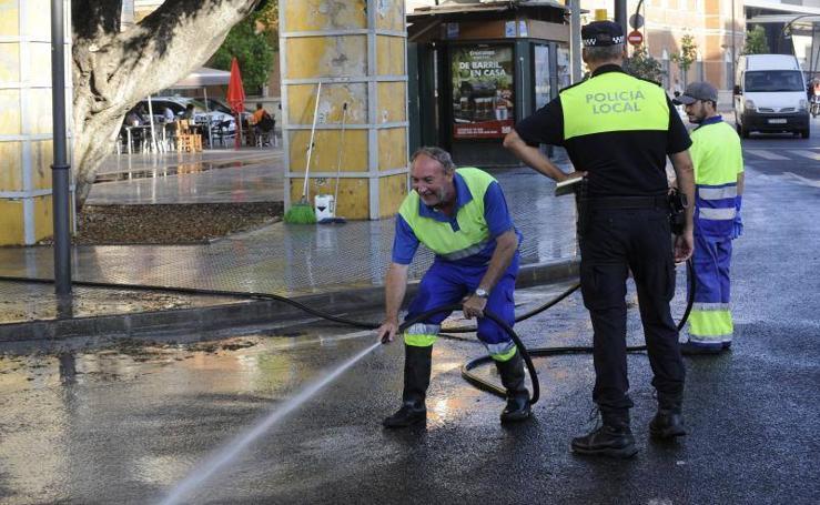 Nuevos baldeos en las calles de Málaga
