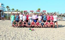 Mijas habilita la primera pista deportiva para balonmano playa de la provincia