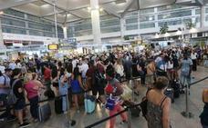El aeropuerto de Málaga estrena hoy un vuelo directo con Atenas