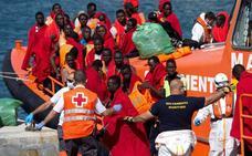 El Puerto de Málaga cede a Cruz Roja un espacio para la atención de los inmigrantes