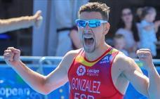 Ignacio González gana la Copa de Europa de triatlón en Holanda