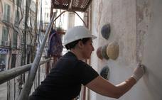 Restauran pinturas murales de la iglesia de San Juan junto a la calle Cinco Bolas