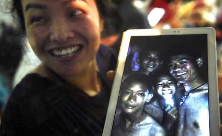 Alegría en Tailandia tras localizar con vida al equipo de fútbol desaparecido