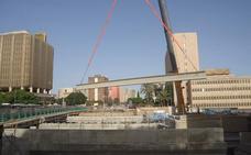 El metro empieza a reconstruir el Puente de Tetuán tras las obras del túnel en el Guadalmedina