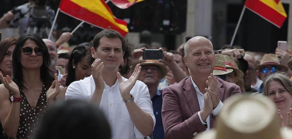 Cs ficha al entrenador de baloncesto Javier Imbroda como cabeza de lista por Málaga