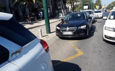 Málaga prohibirá a Uber y Cabify estacionar cerca del aeropuerto, el AVE y centros comerciales