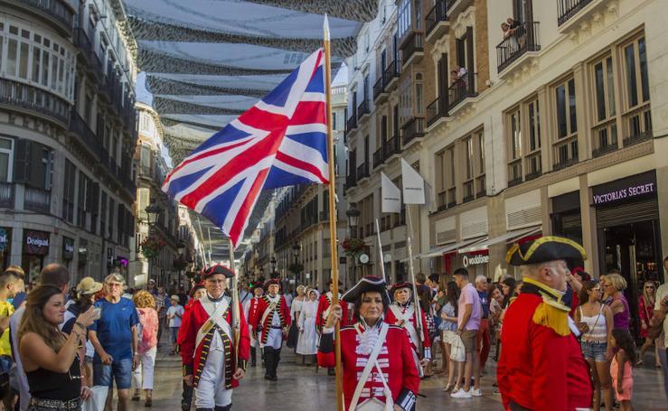 El desfile del Día de la Independencia de EE UU toma el centro de Málaga