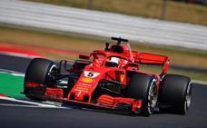 Vettel y Hamilton no dan su brazo a torcer