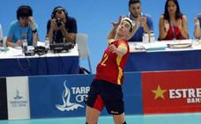 Ángel Trinidad, entre balones de voleibol y cámaras