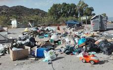 Los vertederos ilegales se hacen crónicos en la periferia y en los polígonos de Málaga