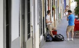 Hoteleros alertan de la caída en el negocio de apartamentos turísticos, de la que culpan a las viviendas de alquiler vacacional