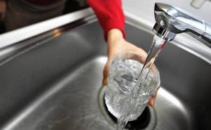 Entra en vigor la subida del recibo del agua en cinco municipios de la Axarquía
