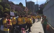 Las cruces llegarán a la playa del Faro para reclamar el nuevo instituto de Marbella