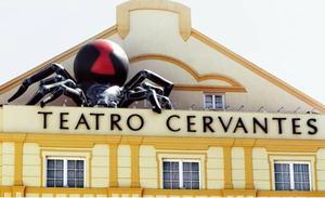 La Familia Addams al completo se instala en el Teatro Cervantes