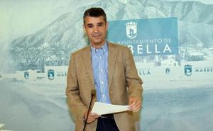 El PSOE de Marbella acusa al gobierno local de «despilfarro» de dinero en externalizaciones de servicios