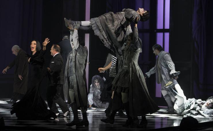 'La Familia Adams' se estrena en el Teatro Cervantes de Málaga