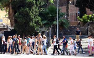 El turismo crecerá este verano en la capital más del doble que en la Costa del Sol