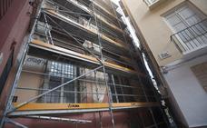 La Cámara de Comercio de Málaga rescatará pinturas barrocas en su fachada lateral